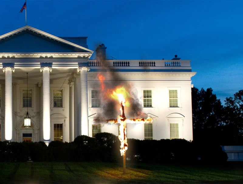 white house christmas cross